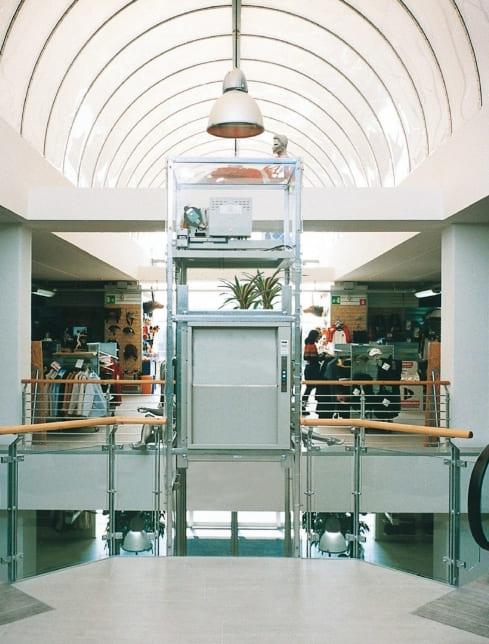 Малый грузовой лифт: выбираем лучшее для ресторана